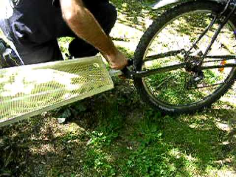 attelage remorque de v lo vtt mono roue one wheel bicycle trailer youtube. Black Bedroom Furniture Sets. Home Design Ideas
