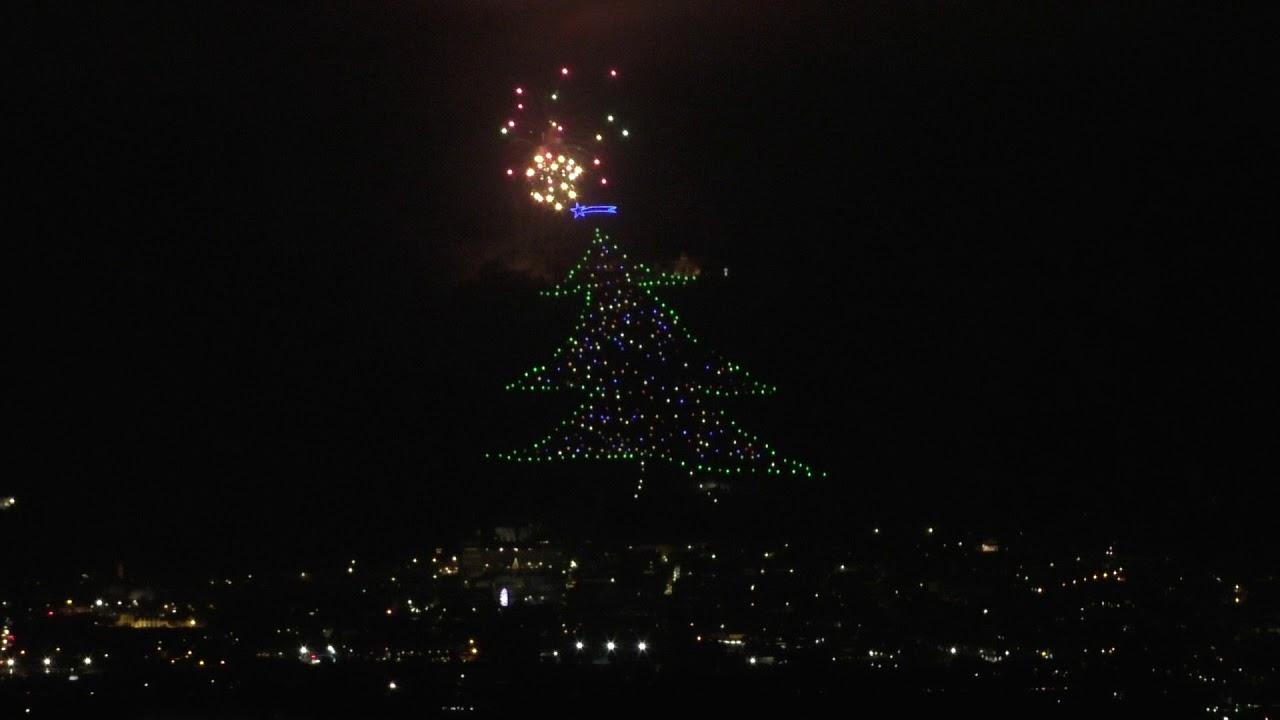Albero Di Natale Gubbio.Gubbio Accensione Albero Di Natale Piu Grande Del Mondo Il 7 12