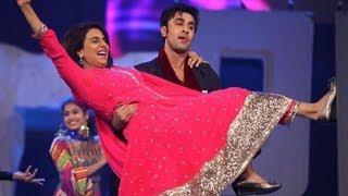 Ranbir Perform With Mom Neetu Singh  Colors Screen Awards 2013 !