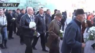 Video Letonia: Veteranos de la Waffen SS conmemoran a sus compañeros muertos en la guerra download MP3, 3GP, MP4, WEBM, AVI, FLV November 2018