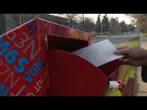 How to send letters to Santa Claus from Canada