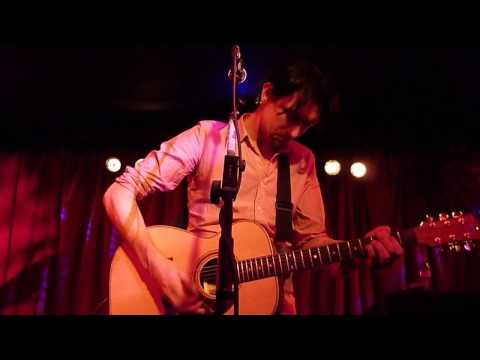 Paul Dempsey - Captain (Million Miles An Hour)  (live in London, 18.05.10)