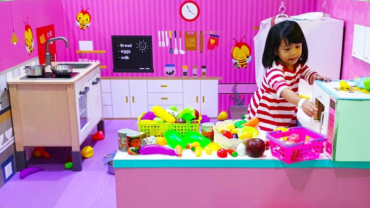 Mainan Anak Kitchen Set Besar Bermain Masak Masakan Di Playground Mainan Anak Perempuan Youtube