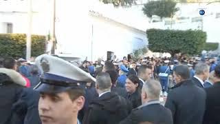 توافد أعداد كبيرة أمام قصر الشعب لإلقاء النظرة الأخيرة على رئيس الأركان السابق