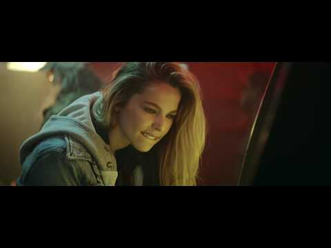 lee-brice---one-of-them-girls-(official-music-video)