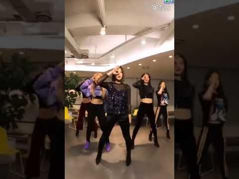 171117 Red Velvet - Peek A Boo @ Weibo LIVE