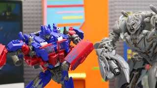 Transformers Stop motion Highway Battle - Optimus Prime Vs. Megatron
