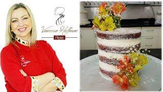 Naked Cake com Recheio tipo Galack decorado com Flores Naturais.