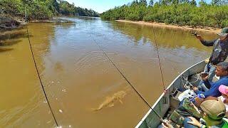 NÃO DA TEMPO DE COLOCAR A VARA NO DESCANSO. Pescaria Rio Aquidauana - PANTANAL