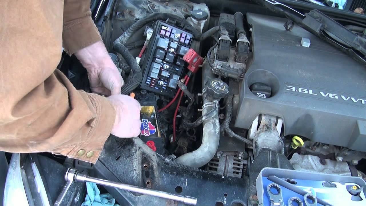 maxresdefault battery change on the 2005 buick allure youtube 2006 buick lacrosse fuse box at webbmarketing.co
