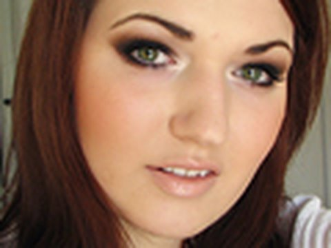 smokey eyes perfekt schminken de augen makeup tutorial. Black Bedroom Furniture Sets. Home Design Ideas