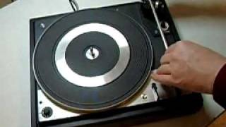 Zweischraubdreher - How to open up a Dual turntable
