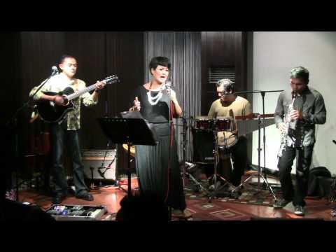 Bonita & the Hus Band - Juwita Malam @ Mostly Jazz 04/11/11 [HD]