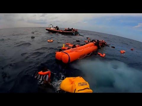 شاهد | منظمة إنسانية تنقذ عشرات المهاجرين في البحر الأبيض المتوسط  - 13:54-2021 / 10 / 20