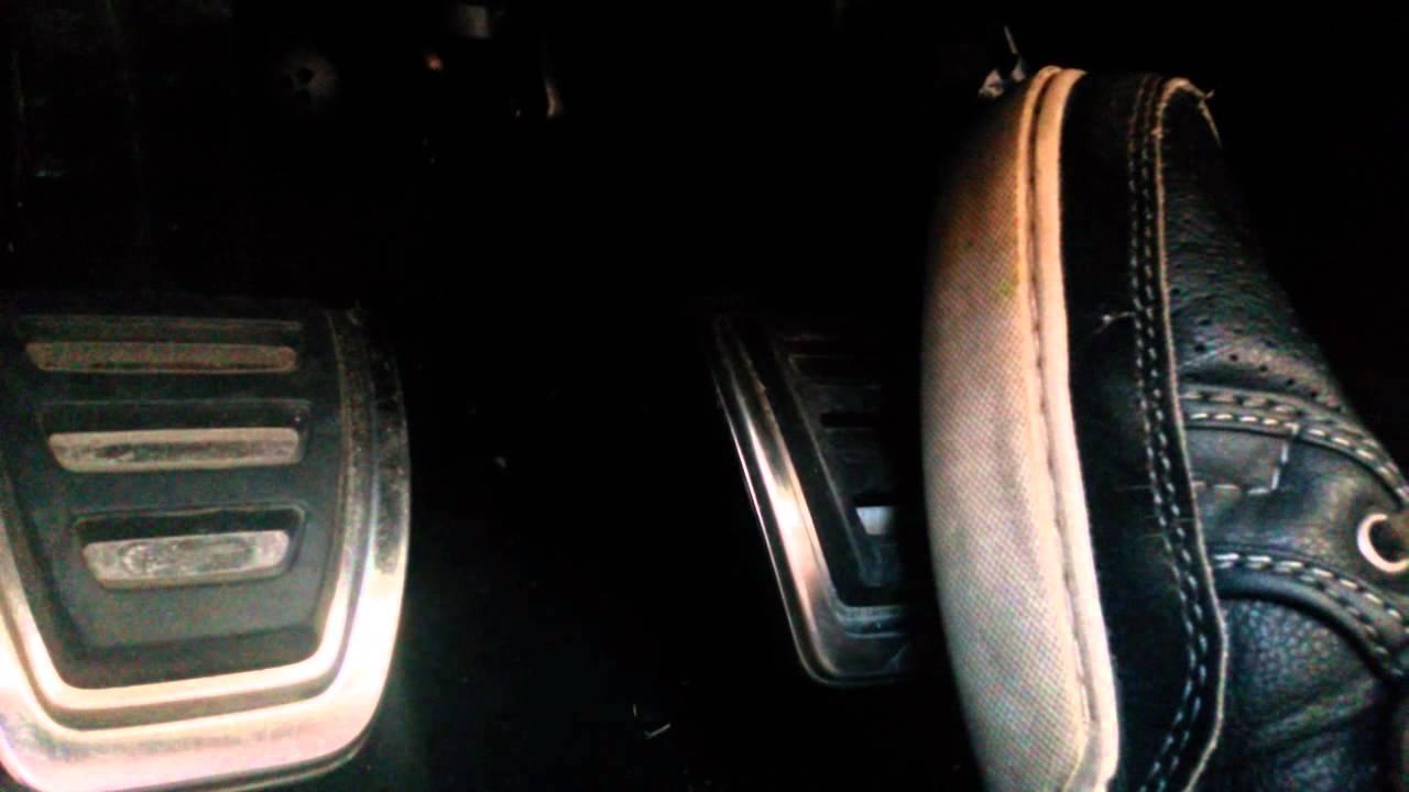 Vrzani brzdoveho pedalu Skoda Rapid
