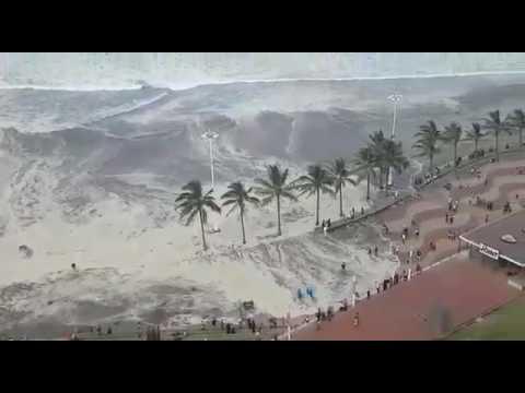 Durban beach closed due to high waves DRAMATIC AERIAL VIDEO