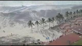 Durban Beach Closed Due To High Waves DRAMAT C AER AL V DEO