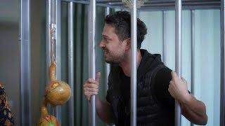 Gambar cover Beyaz, Murat Boz'u kafese tıktı!