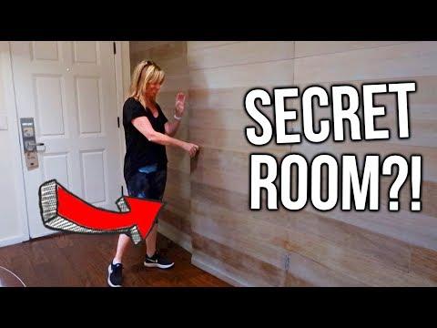 SECRET DOOR IN OUR HOTEL ROOM!!?!? Road Trip Vlog!!