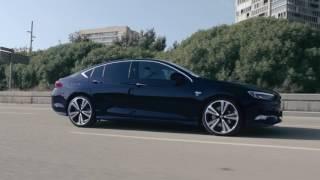 Az új Opel Insignia: Kapcsolatban maradni, mindig, mindenhol.