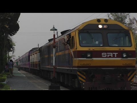 【Royalty Free Material】SRT #14 at Saraphi station catching a tablet carrier