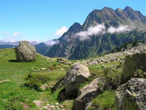 GR11 Hiking Trail - Spanish Pyrenees