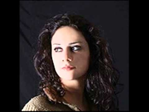 Lena Chamamyan- Lamma bada  yatathana   [Boite à musique]