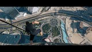 Tom Cruise scales Burj Khalifa