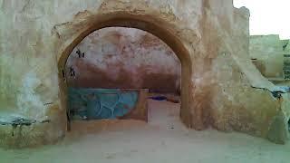 Тунис. Место съемки Звездных войн планета Татуин  пустыня Сахара