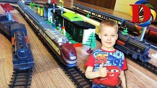 Игрушки железная дорога и поезда для детей. Запускаем железнодорожный транспорт Поезд и Паровозик