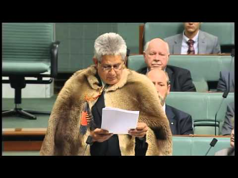 Indigenous history : Ken Wyatt sworn in as first Indigenous Federal frontbencher