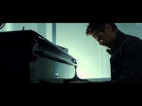 Total Recall 2012 - Collin Farrel's Piano Scene From The Director's Cut