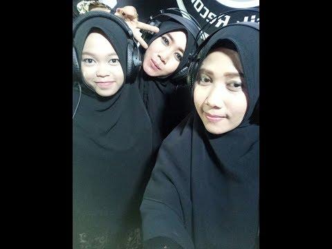 SHOLAWATULLOH  by. Siti Hawa Queen Of Sholawat (annisa, vina, ulfah)