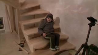 як зробити сходи з поворотними ступенями