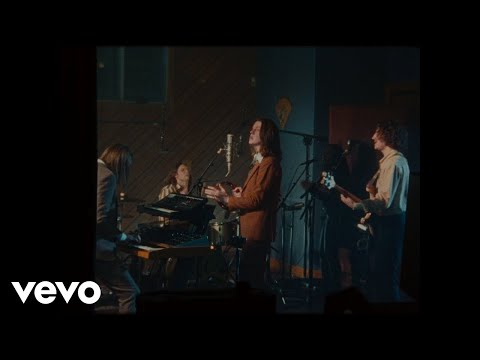 Смотреть клип Blossoms - If You Think This Is Real Life