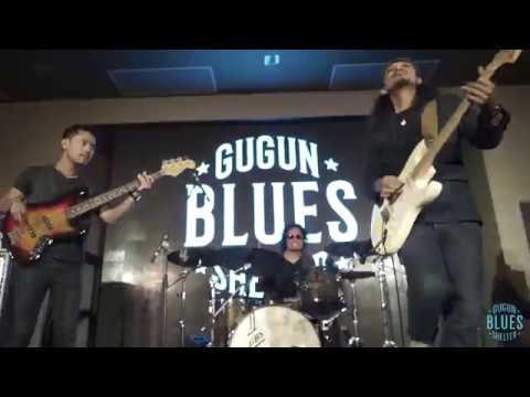 Gugun Blues Shelter - Hitam Membiru Tur Jawa 2017