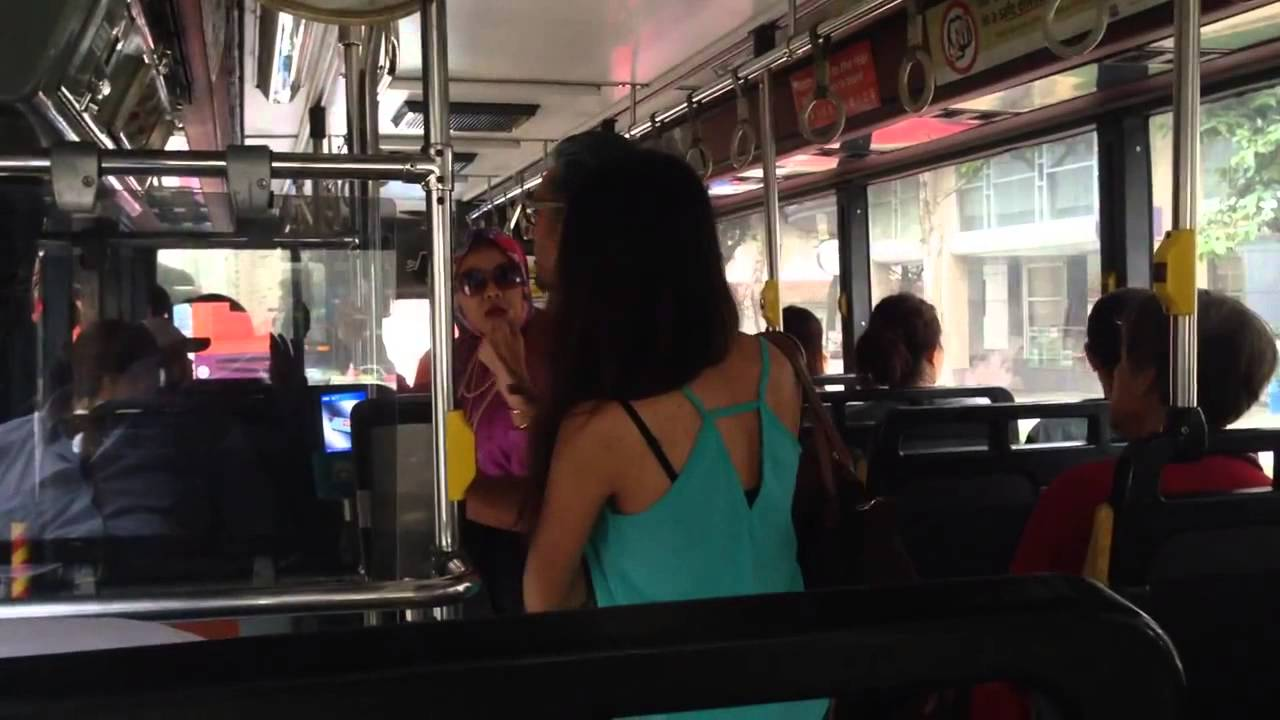 Wife Caught Husband Cheating  Yell Loudly In Public Bus -5206