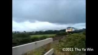 HST (British Rail Class 43) at level crossing near Redruth (Horn)