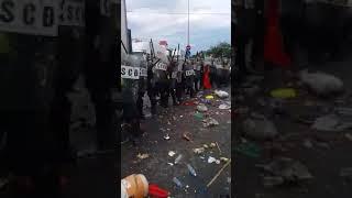 Phan Rí biểu tình chống luật đặc khu, dân ném đá lực lượng đàn áp
