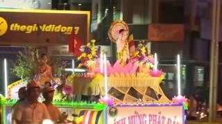 Xe Hoa Mừng Phật Đản Ở Huế - PL 2560 - 2016