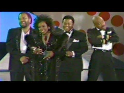 Gladys Knight & The Pips Win Heritage Award @ 1988 Soul Train Awards Show