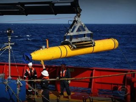 Robot submarine scours ocean floor for Malaysia Airlines plane