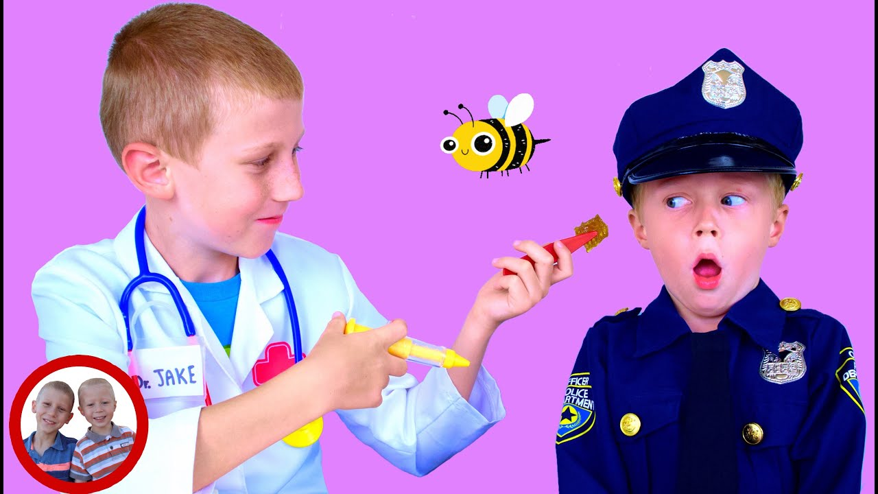 Doctor set toys | Bee in the ear! | Mike and Jake pretend play | Doctor kit  डॉक्टर सेट  العاب دكتور