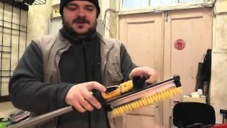 Уральская щётка для чистки авто от снега - Обзор