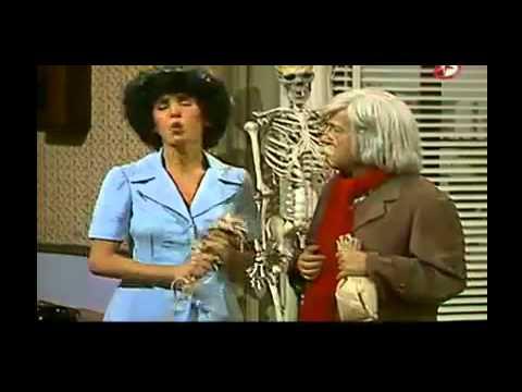Chespirito 1983 Dr Chapatin La Apuesta Del Beso Hd Youtube