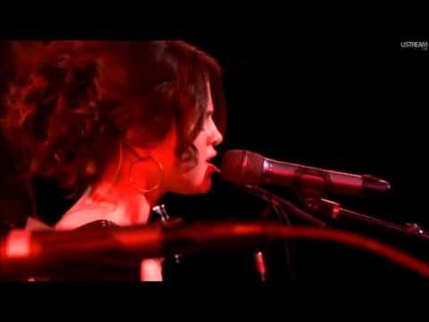 текст песни selena gomez ghost of you. Selena Gomez & The Scene - Ghost Of You (2010 Live  The Roxy Theatre) слушать онлайн композицию