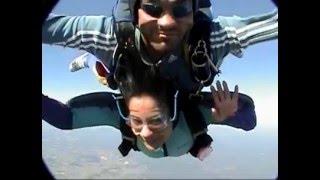 Panchhi banoon udti phiroon mast gagan mein(Sky Diving)