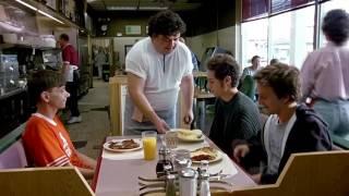 вот почему официант сука всемогущий!!!