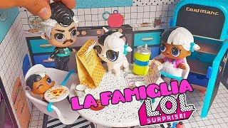 La FAMIGLIA LOL 🏡 Il primo giorno di Melanie a New LOL City [Episodio 1]