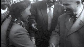 """""""Исторический визит Хрущева в Таджикистан"""". Глава СССР осмотрел овец и уборку хлопка, 1962 г."""